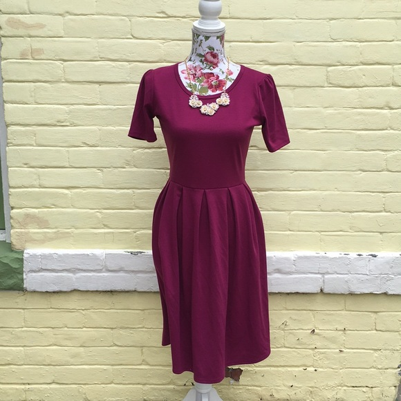 LuLaRoe Dresses & Skirts - Magenta/Berry/ Burgundy Lularoe Amelia Dress